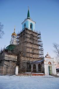 Храм в период покраски фасада.